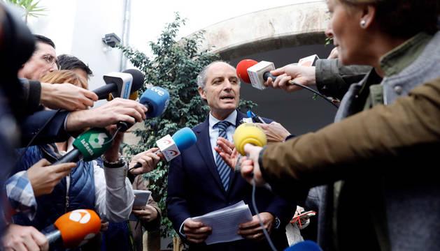 Imagen del expresident de la Generalitat Francisco Camps a su salida del juzgado.