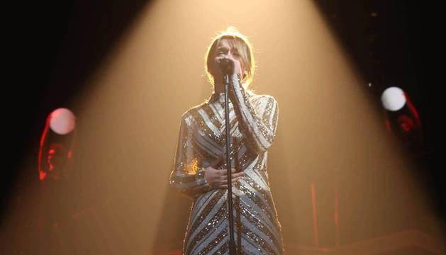 Imagen de Amaia Romero cantando 'Shake it out' en la gala 9 de Operación Triunfo.