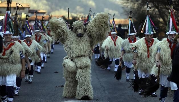 Ituren anuncia el despertar del Carnaval rural con 88 'joaldunak'