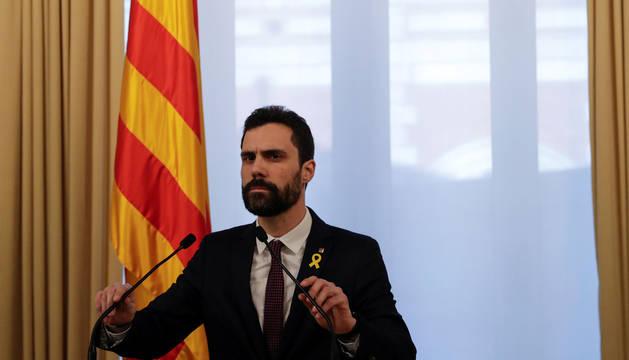 Torrent aplaza el pleno de investidura pero mantendrá la candidatura de Puigdemont