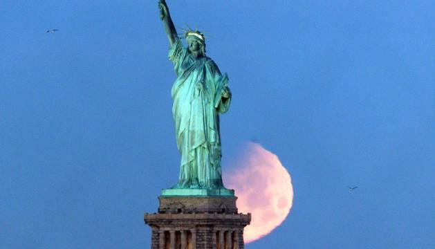 'Superluna' en medio mundo