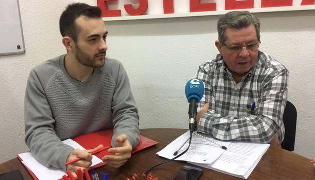 Los concejales Jorge Crespo e Ignacio Sanz de Galdeano, ayer en la sede de los socialistas.