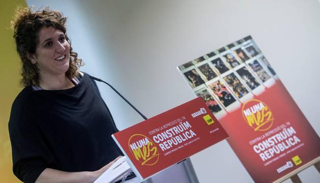 La portavoz del secretariado nacional de la CUP, Núria Gibert, durante la presentación de la campaña