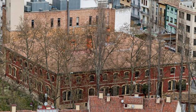 Imagen del exterior del Ayuntamiento de Estella, en el paseo de la Inmaculada.