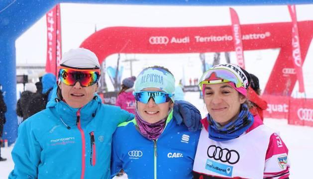 Cinthya Martínez (derecha), tercera en 42 kilómetros.