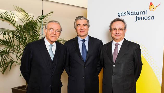 foto de  Isidro Fainé, Francisco Reynés y Rafael Villaseca