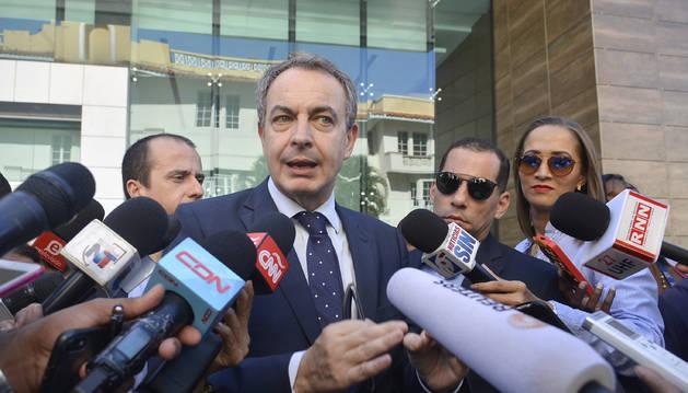 Zapatero pide a la oposición venezolana que suscriba acuerdo con el Gobierno