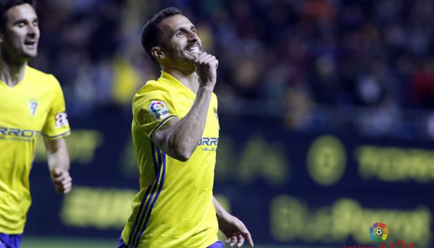 Perea celebra el gol anotado al Oviedo