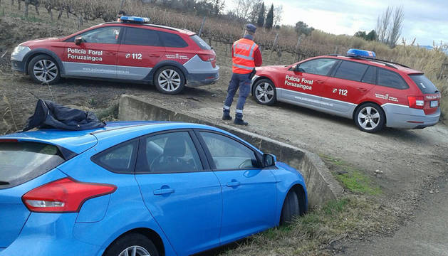 Vehículo a la fuga y accidentado en Cascante