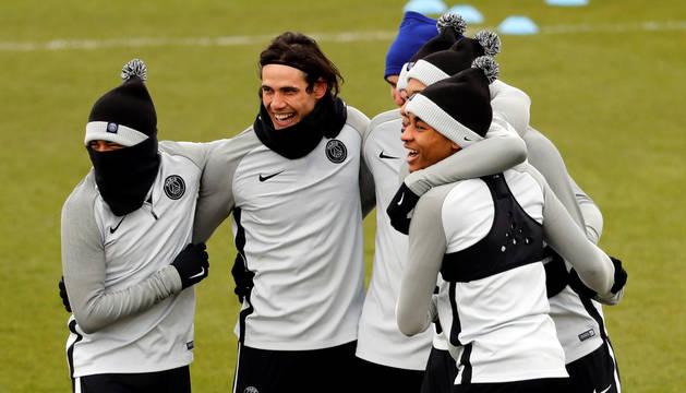 Imagen del entrenamiento del París Saint Germain en el Santiago Bernabéu.