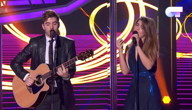 Amaia y Roi cantan 'Shape of you'