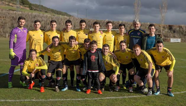 Imagen de la plantilla del Zirauki, el sábado antes del partido que disputó contra el San Juan.