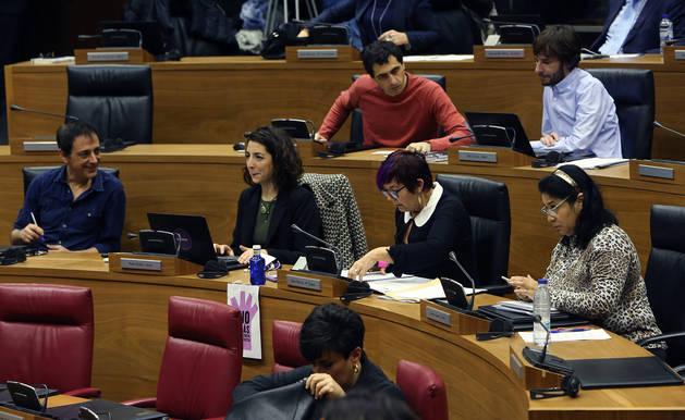 El grupo parlamentario de Podemos, en una sesión plenaria