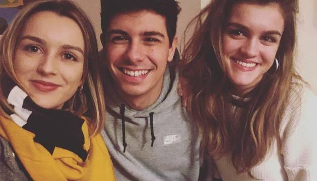 Ángela, Amaia y Alfred