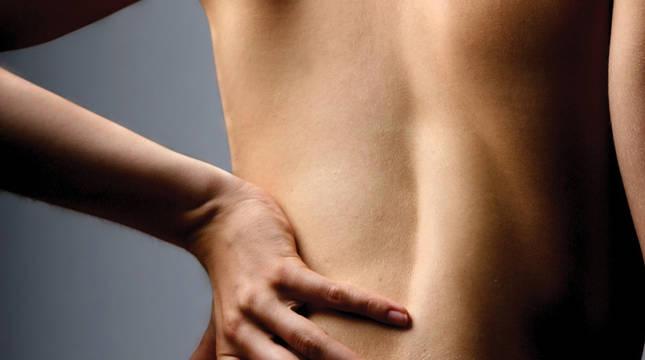 El dolor lumbar supone un grave problema para la vida cotidiana.