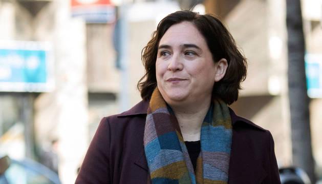 Colau, alcaldesa de Barcelona, rechaza rendir