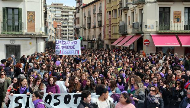 Unas 1.000 personas se reunieron en la manifestación de la mañana de la Plataforma 8-M de la Ribera. Por la tarde hubo otra con alrededor de 3.000 asistentes.
