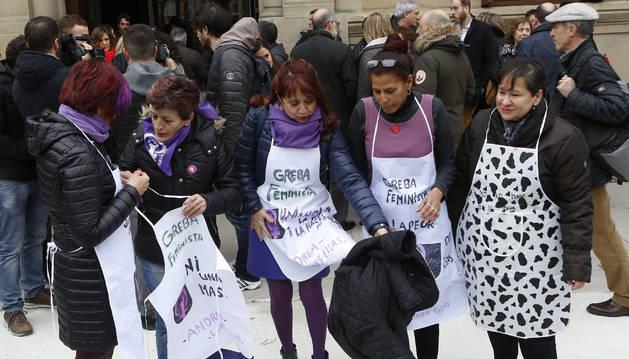 Las mujeres han llenado este jueves las calles de Navarra.