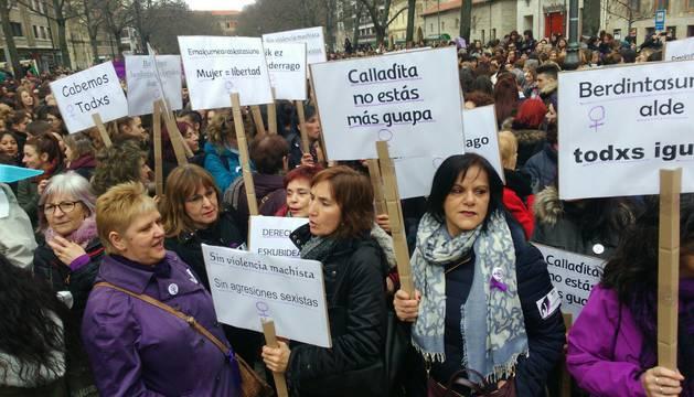 Imágenes de los numerosos actos celebrados en la Comunidad foral con motivo de la conmemoración del Día Internacional de la Mujer (8M).