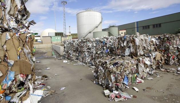 Residuos acumulados en las instalaciones del vertedero del Culebrete.