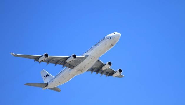 Imagen ilustrativa de un avión