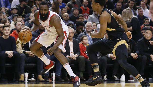James Harden, de los Houston Rockets, durante un partido de NBA