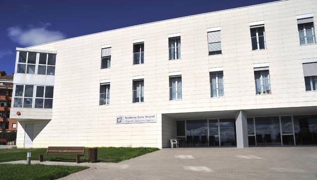 Fachada principal del Santo Hospital de Tafalla.