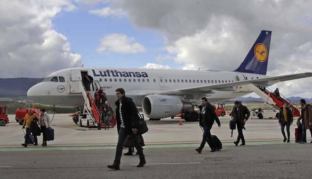 El vuelo a Francfort ha llevado a 11.200 pasajeros en sus tres primeros meses