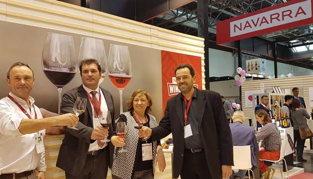 foto de La consejera Elizalde con representantes de la D.O. Navarra en ProWein.