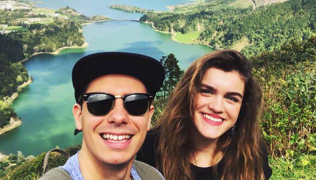 foto de Alfred y Amaia durante su reciente visita a las islas Azores.