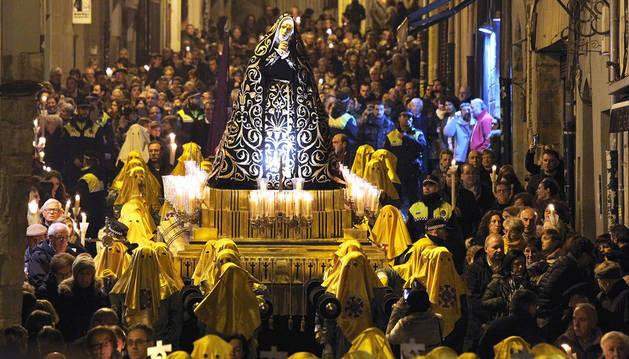 Imagen de la procesión de la Dolorosa en Pamplona.