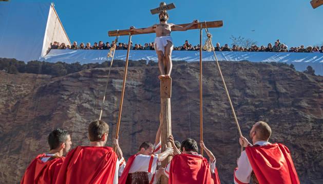Imanol Moreno Amatriain en el papel de Jesucristo durante la escena de la Crucifixión.