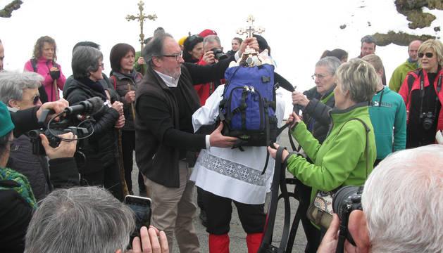 San Miguel desciende en mochila por el mal estado de los senderos