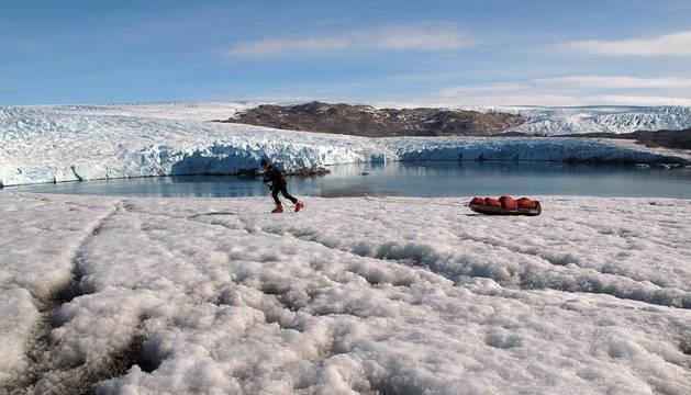 Un explorador, en Groenlandia.