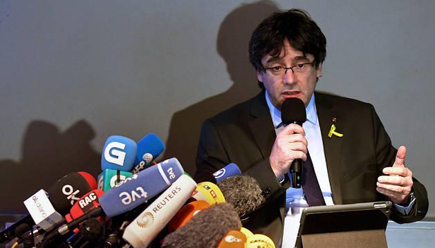 El expresidente catalán Carles Puigdemont, durante la rueda de prensa de este sábado en Berlín (Alemania)
