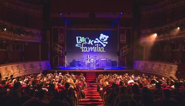 Imagen de otro concierto de rock en familia en otra ciudad