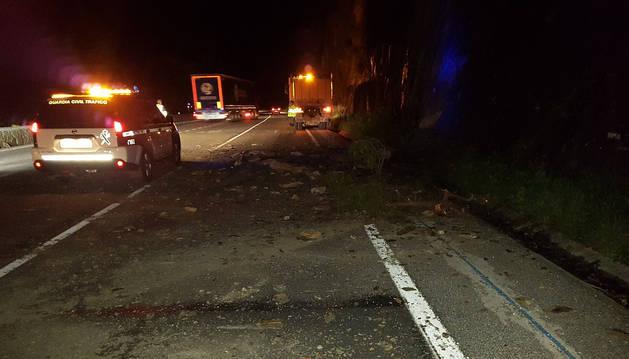 Un desprendimiento en la carretera corta la N-121-A en Igantzi