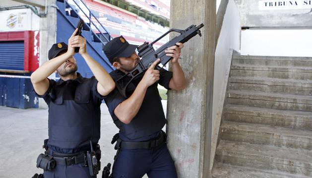 Simulacro de atentado terrorista en El Sadar el pasado junio.