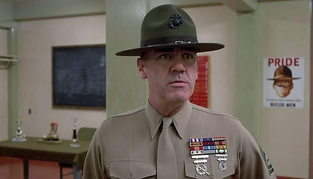 R. Lee Ermey, en una escena de 'La Chaqueta Metálica'