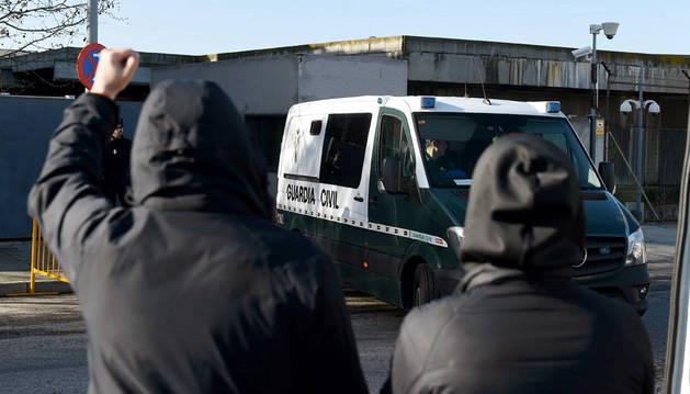 Imagen de la llegada a la Audiencia Nacional de los acusados por la agresión en Alsasua.