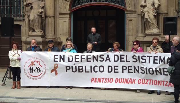 Pensionistas navarros se concentran contra las