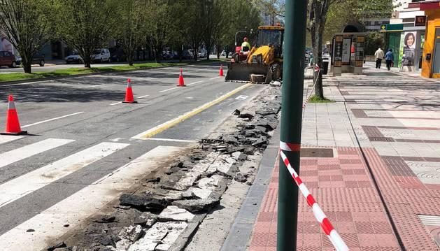 Los trabajos consistieron en levantar el asfalto de la calzada.
