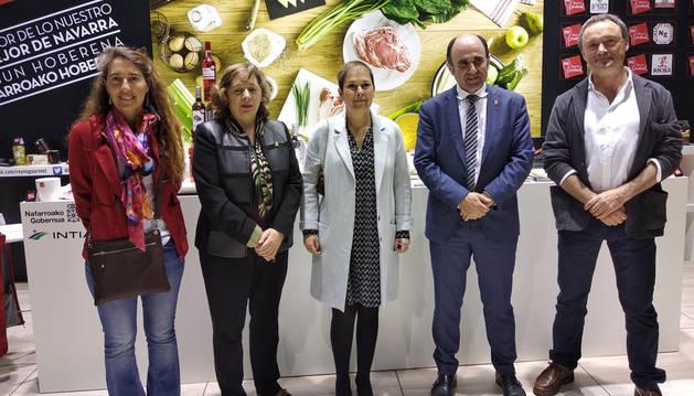 Imagen de la presidenta de Navarra, Uxue Barkos, junto al resto de la delegación navarra.