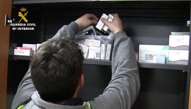 Imagen de medicamentos para dopaje requisados por la Guardia Civil.