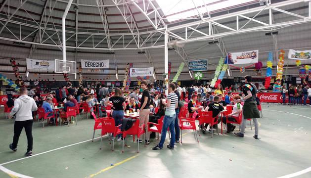 La Carpa Universitaria arranca con el tradicional torneo de mus