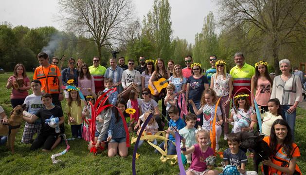 Decenas de voluntarios participaron en el vídeo musical colaborativo propuesto por el proyecto EducARTE.