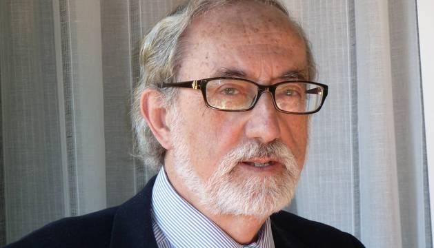 """""""La monogamia no es algo genético sino cultural y social"""", dice Manuel Villegas"""