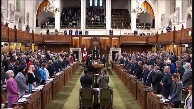 Minuto de silencio en el Parlamento canadiense por las 10 víctimas del atropello de Toronto