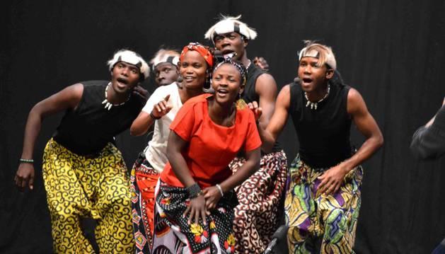 Foto del grupo africano Aba Taano, en uno de los conciertos celebrados en España dentro de la gira que están realizando actualmente.