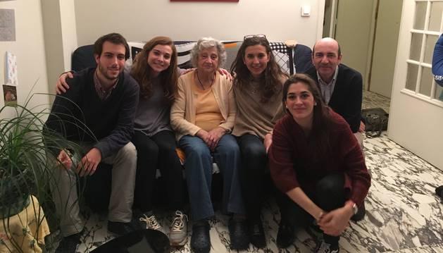 Foto de Antonio García Robredo, Inés Díaz Argelich, Annette Cabelli, Elena Díaz-Casanova, Fátima González-Besada y Javier Marrodán.